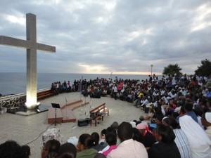 Vista central da multidão que acorreu às celebrações