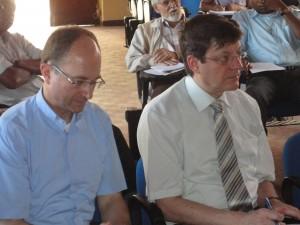 O Padre Erny e o Sr . Patrick, orientadores do Curso